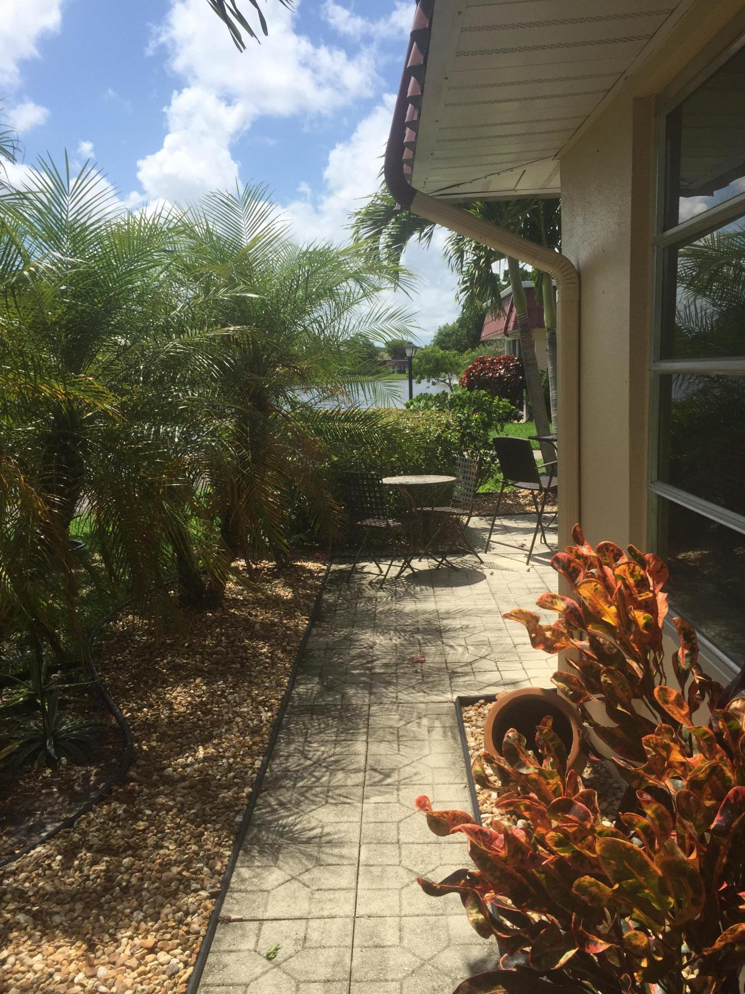 567 Covered Bridge Boulevard 567 Lake Worth, FL 33467 photo 4
