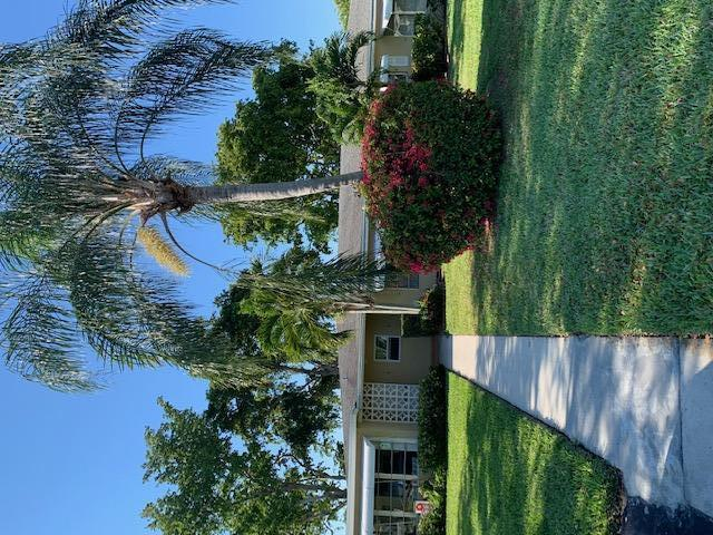 360 High Point Boulevard B  Delray Beach, FL 33445