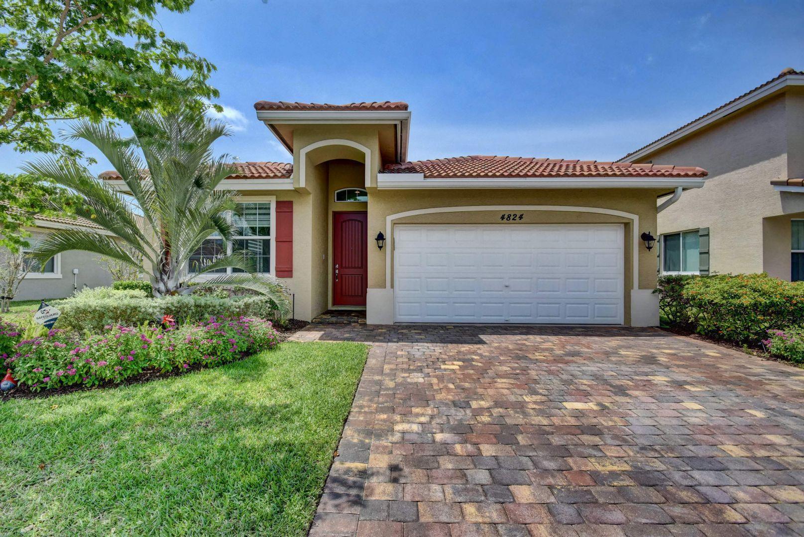 4824 Foxtail Palm Court Lake Worth, FL 33463