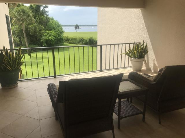 1660 12 Oaks Way 207, North Palm Beach, Florida 33408, 1 Bedroom Bedrooms, ,1 BathroomBathrooms,F,Condominium,12 Oaks,RX-10530548