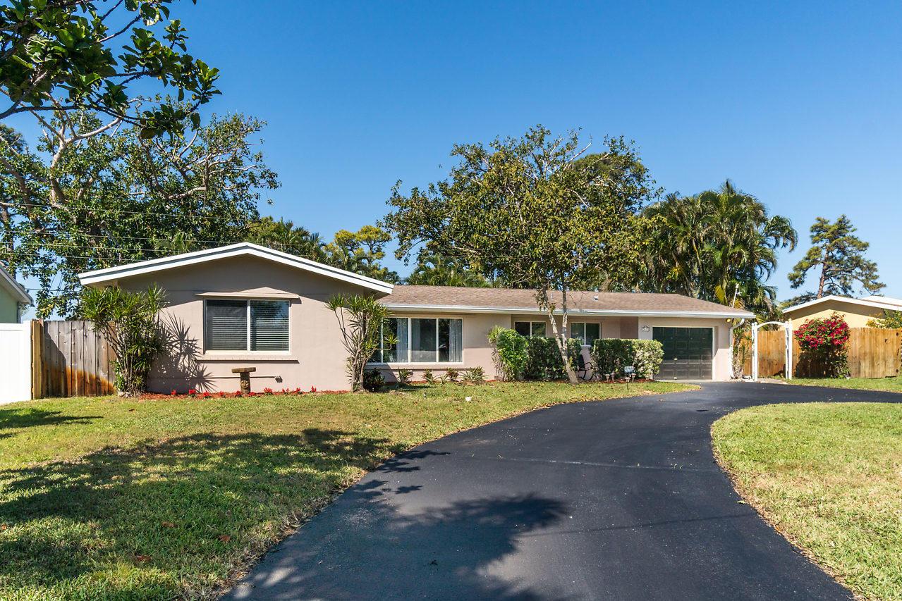 2635 SW 8th Street Boynton Beach, FL 33435