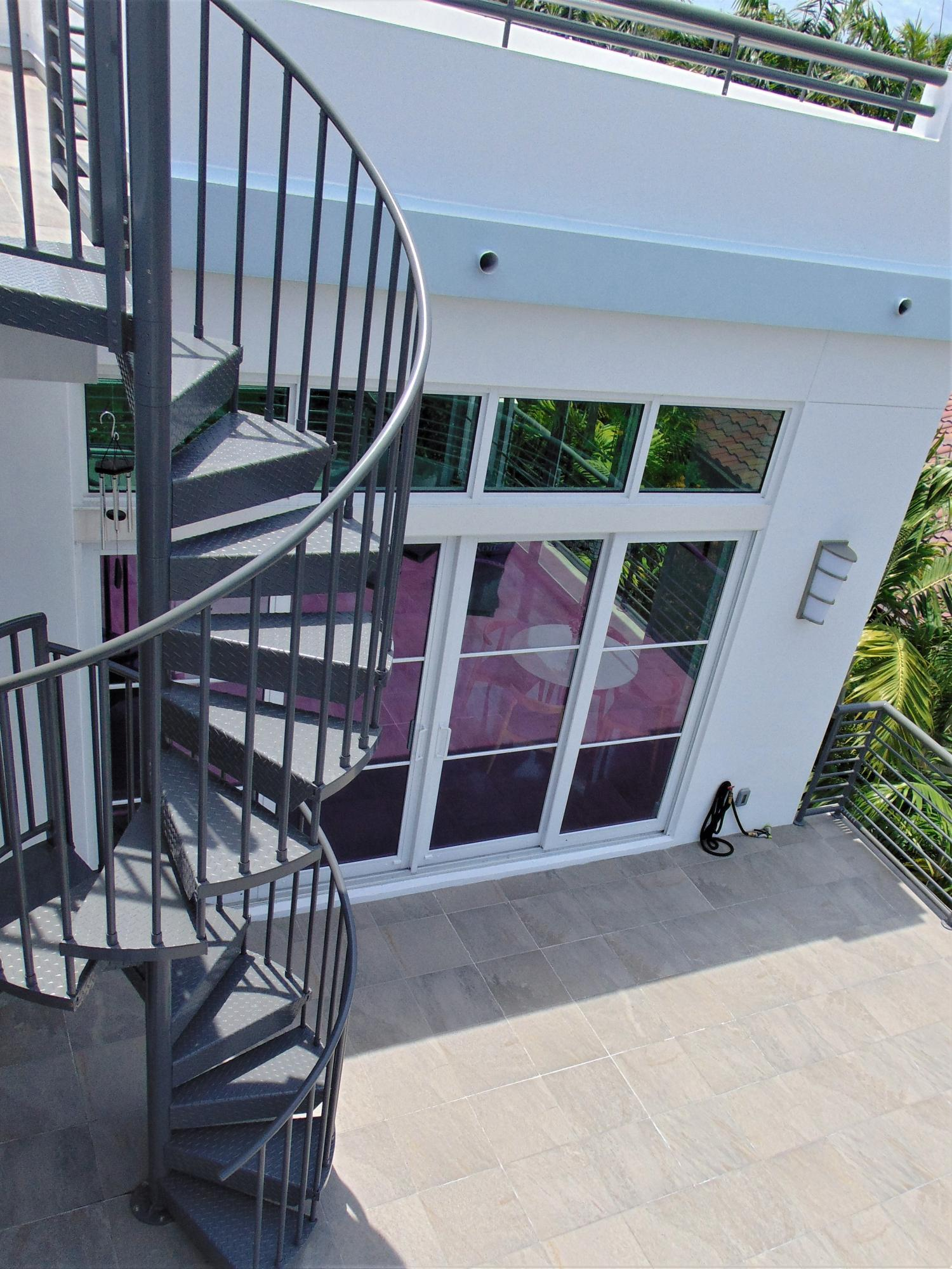 226 Palm Court, Delray Beach, Florida 33444, ,7 BathroomsBathrooms,Office,For Sale,Palm,RX-10532457