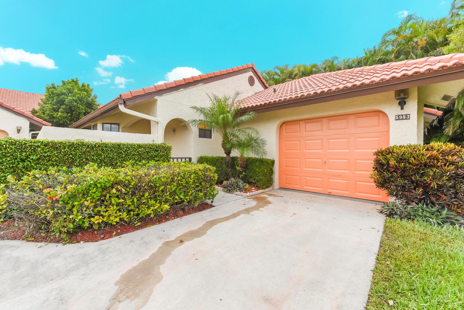 5957 Parkwalk Drive 916 Boynton Beach, FL 33472