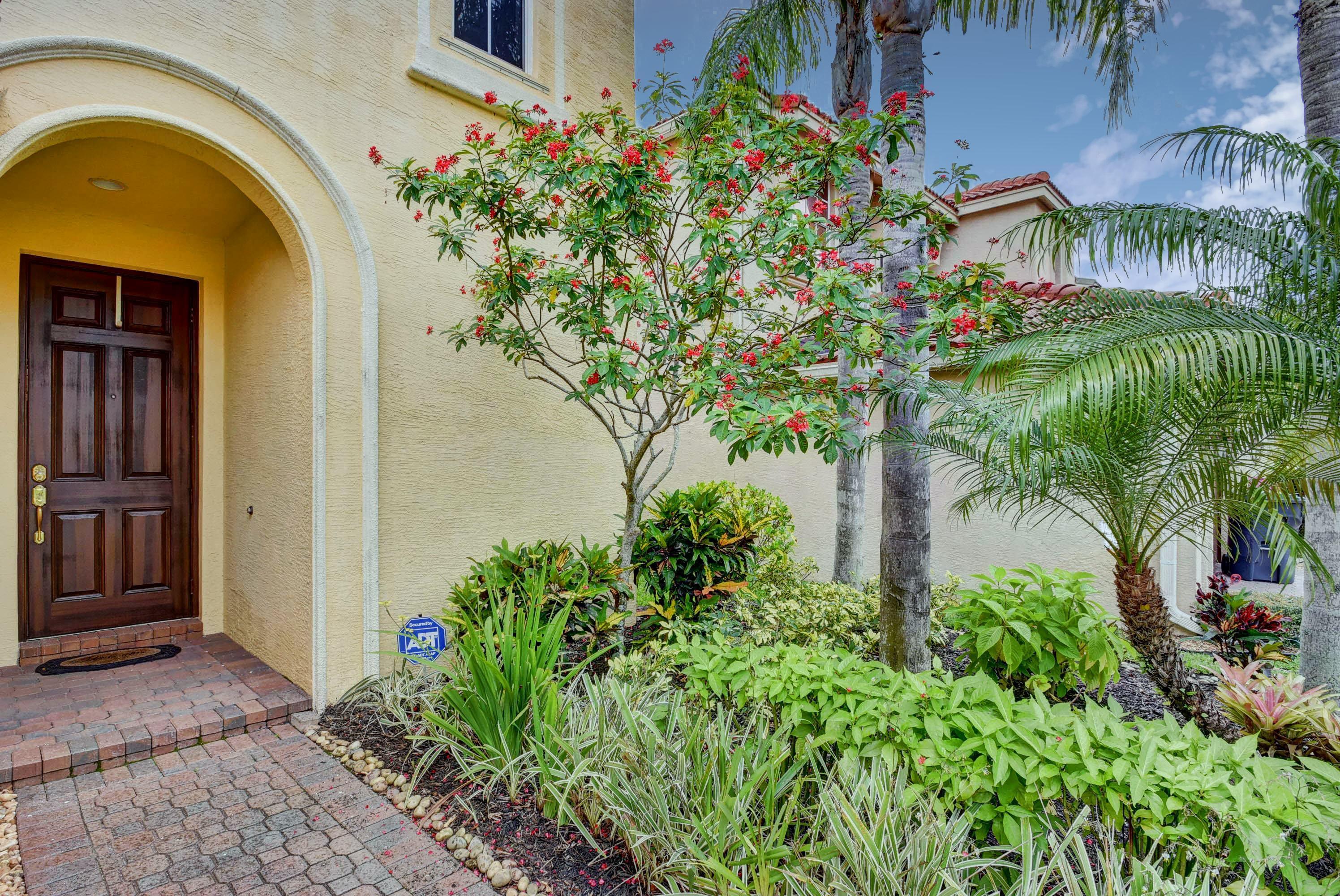 9186 Dupont Place Wellington, FL 33414 photo 4