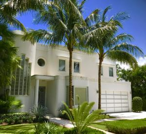 216  Colonial Lane  For Sale 10496579, FL