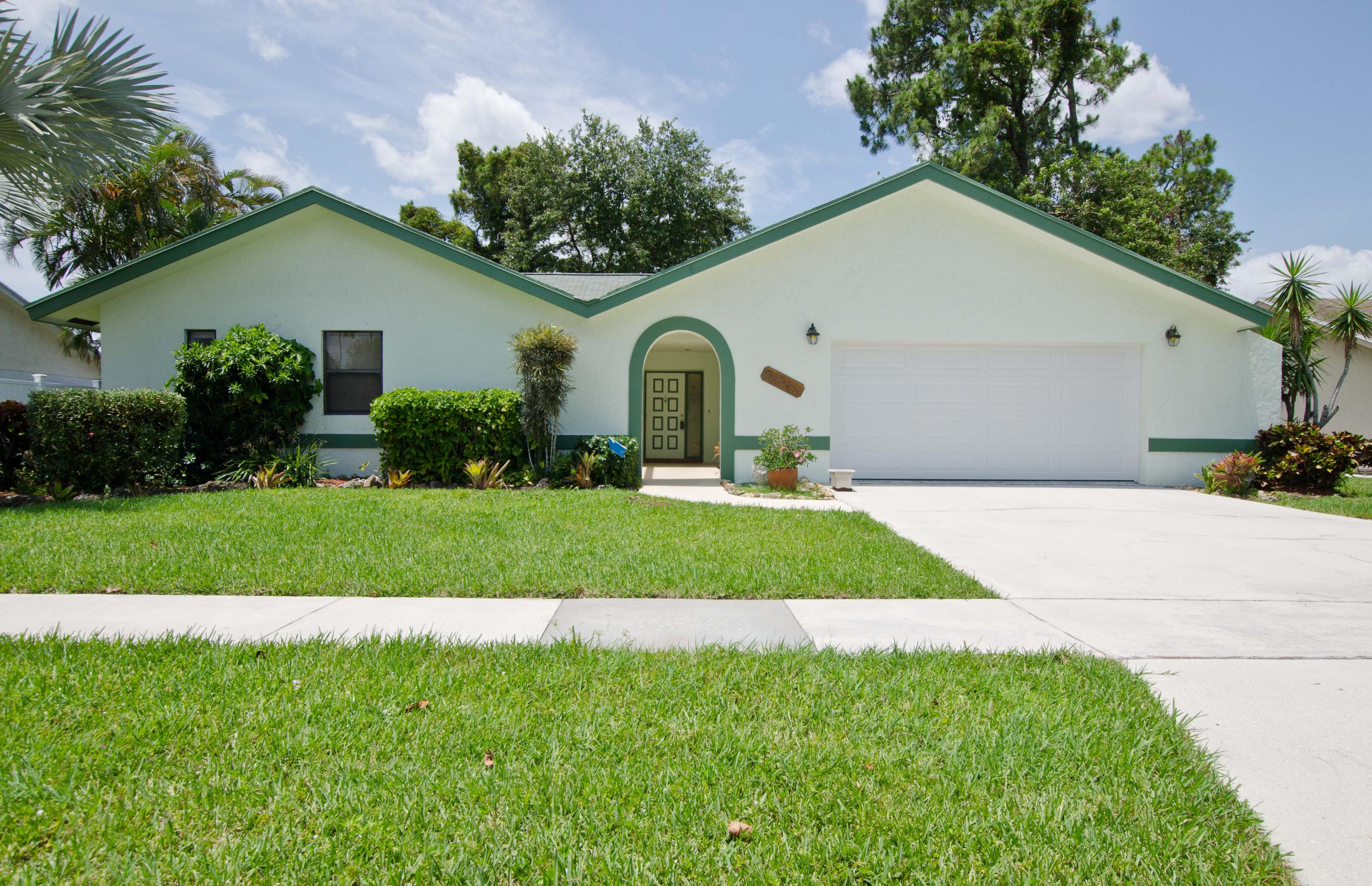 Home for sale in HUNTINGTON WOODS Royal Palm Beach Florida