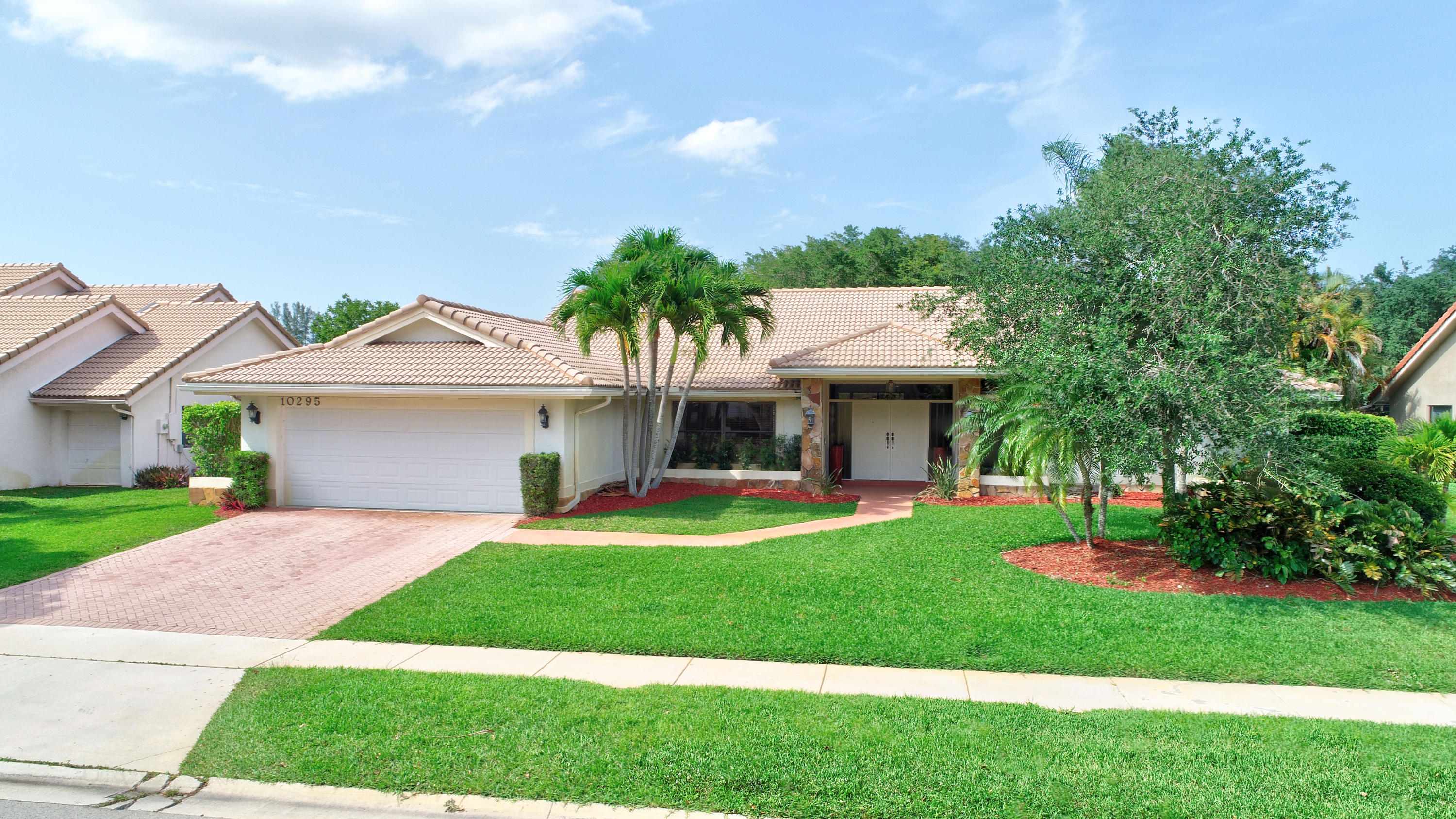 BOCA WOODS COUNTRY CLUB HOMES