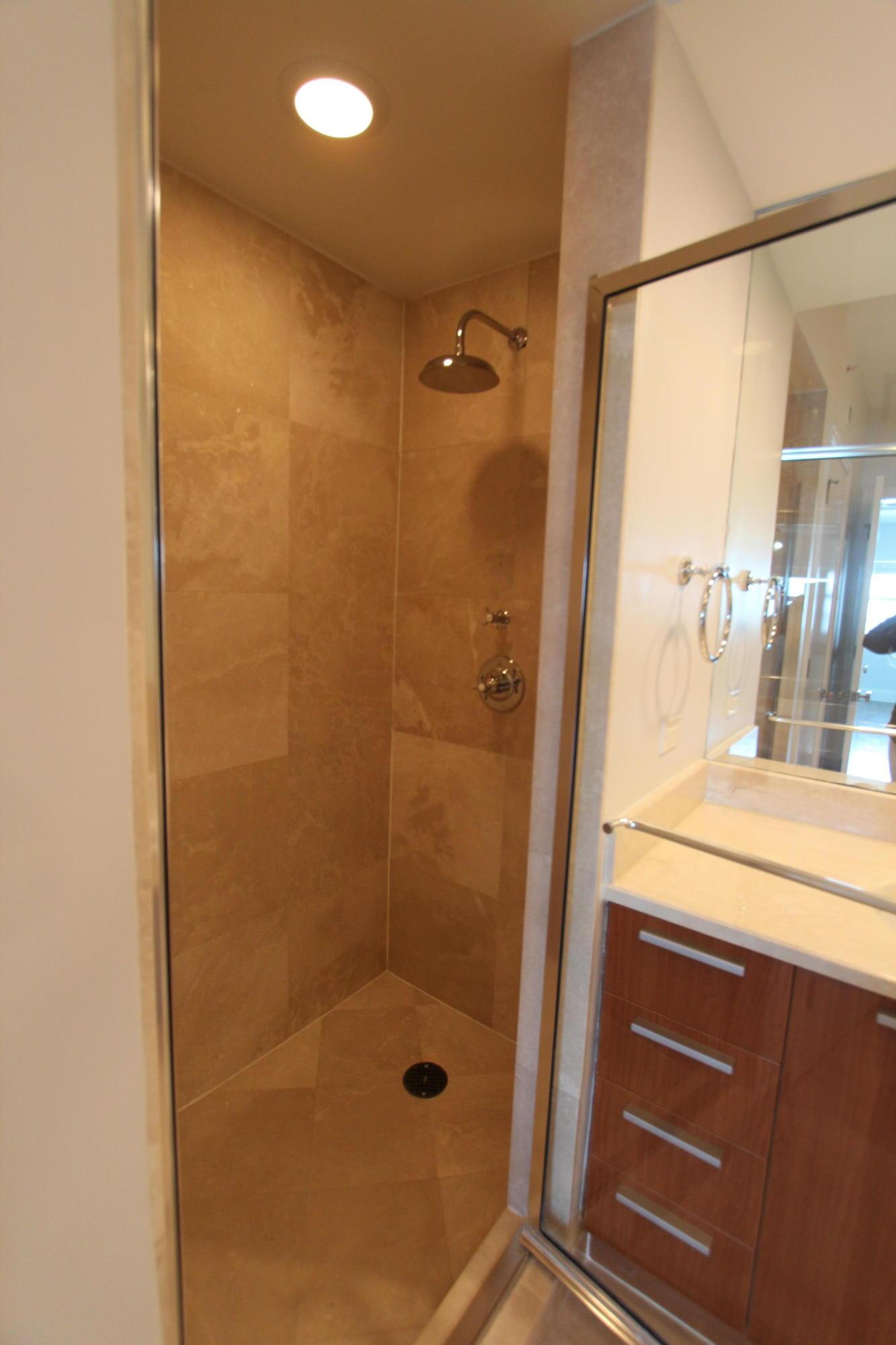 2650 Lakeshore Drive 1602, Riviera Beach, Florida 33404, 2 Bedrooms Bedrooms, ,2.1 BathroomsBathrooms,A,Condominium,Lakeshore,RX-10531429