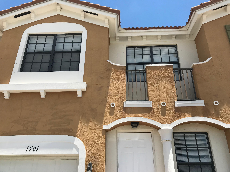 1701 SW Umbria Street, Port Saint Lucie, Florida