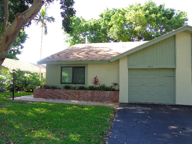 4207 Palm Forest Drive  Delray Beach, FL 33445