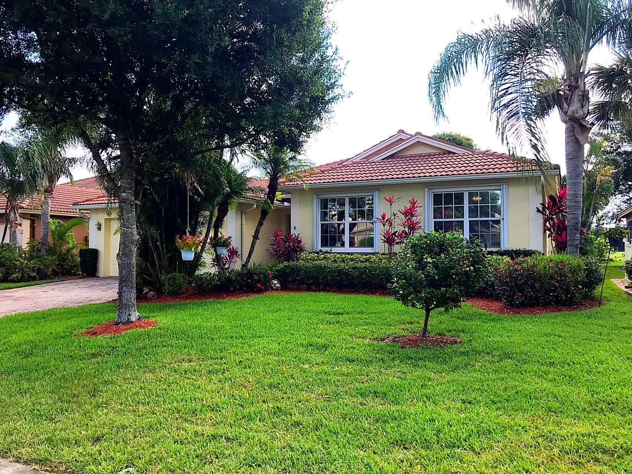 596 NW Waverly Circle NE, Port Saint Lucie, Florida