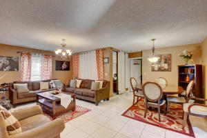Applewood Village 2-c Condo