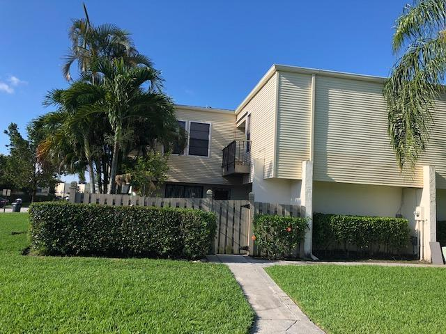 Home for sale in FRENCH QUARTER 3 Wellington Florida