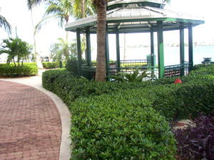 2650  Lake Shore Drive 1403 For Sale 10532741, FL