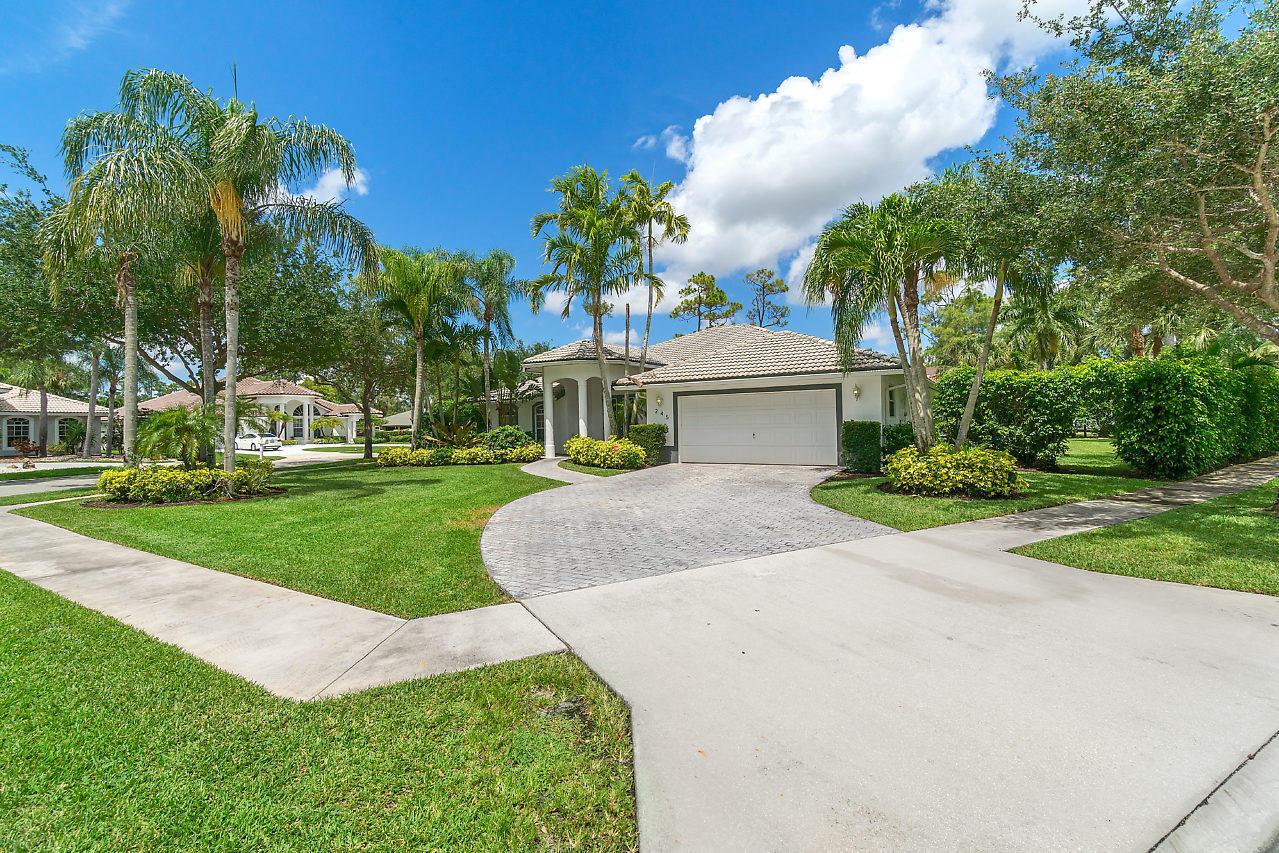 245 Ponderosa Court Royal Palm Beach, FL 33411