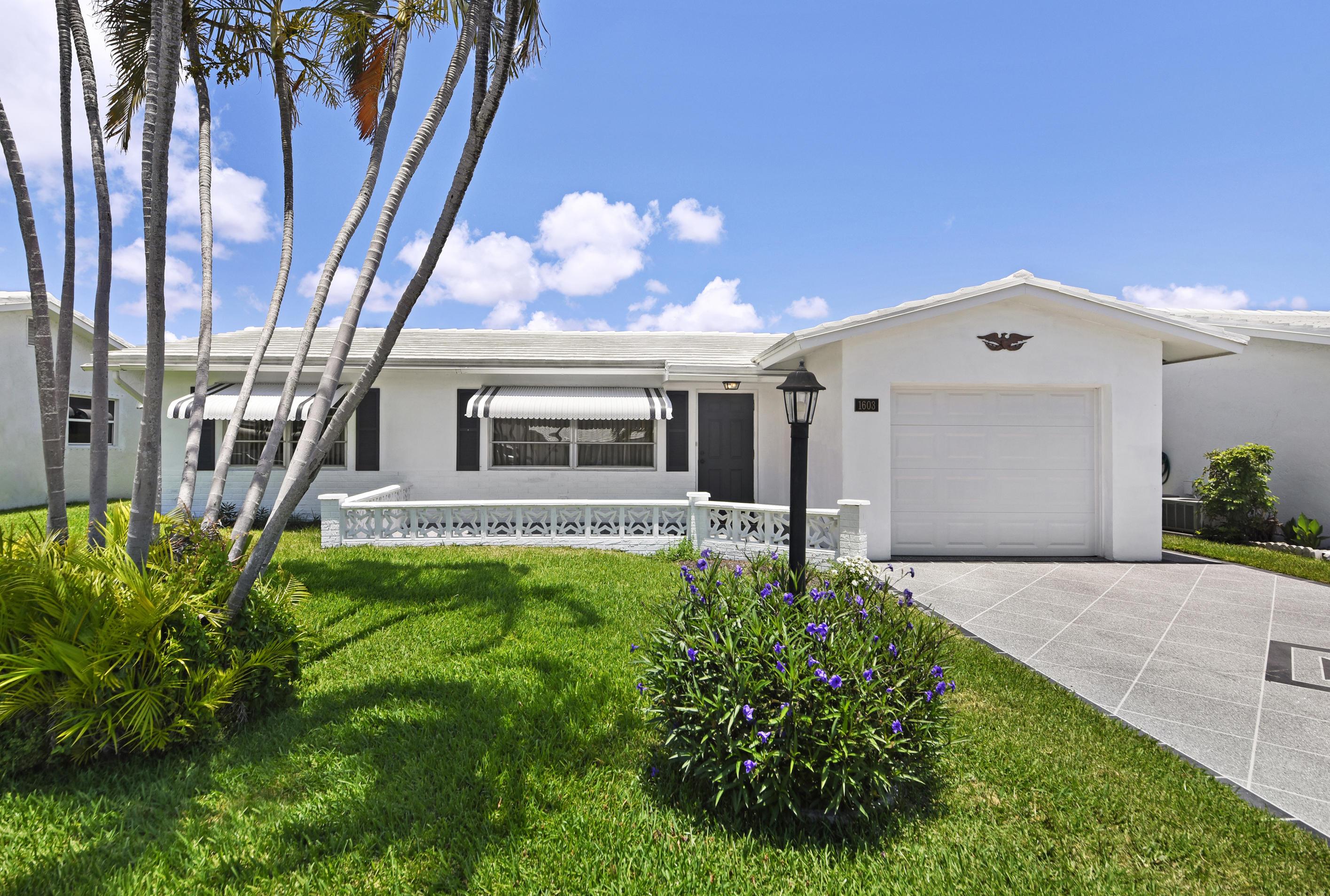 1603 SW 14th Avenue Boynton Beach, FL 33426