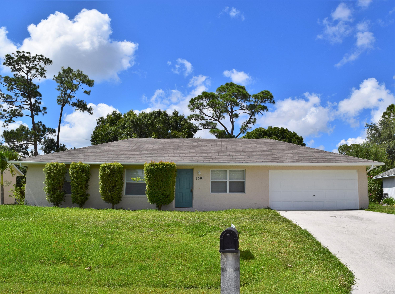 1581 SW Bellevue Avenue  Port Saint Lucie FL 34953