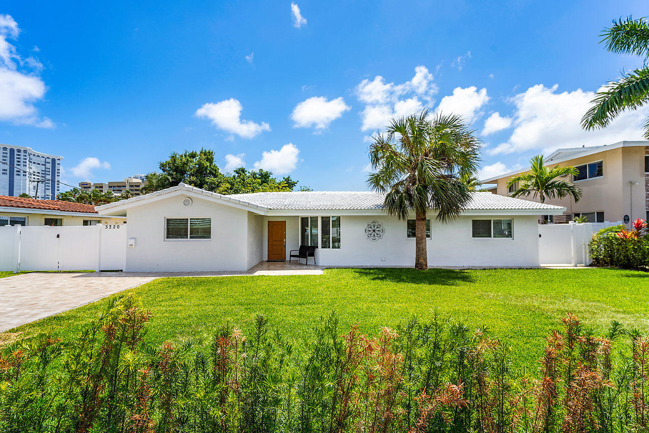 Home for sale in GLEN COURT Pompano Beach Florida
