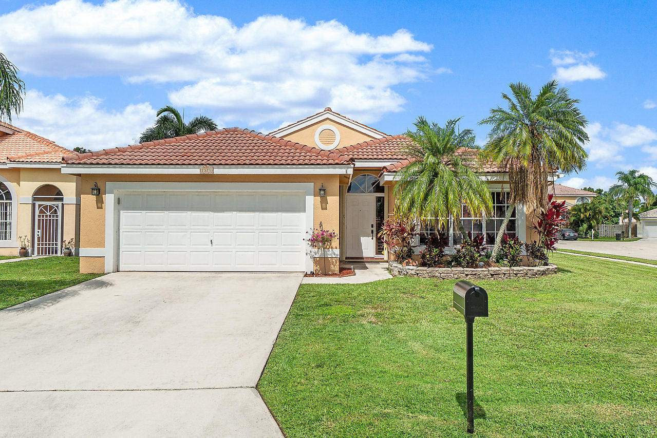 Home for sale in Bristol Bay @ Lake Charleston Lake Worth Florida
