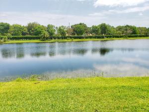 Boca Lakes Cond