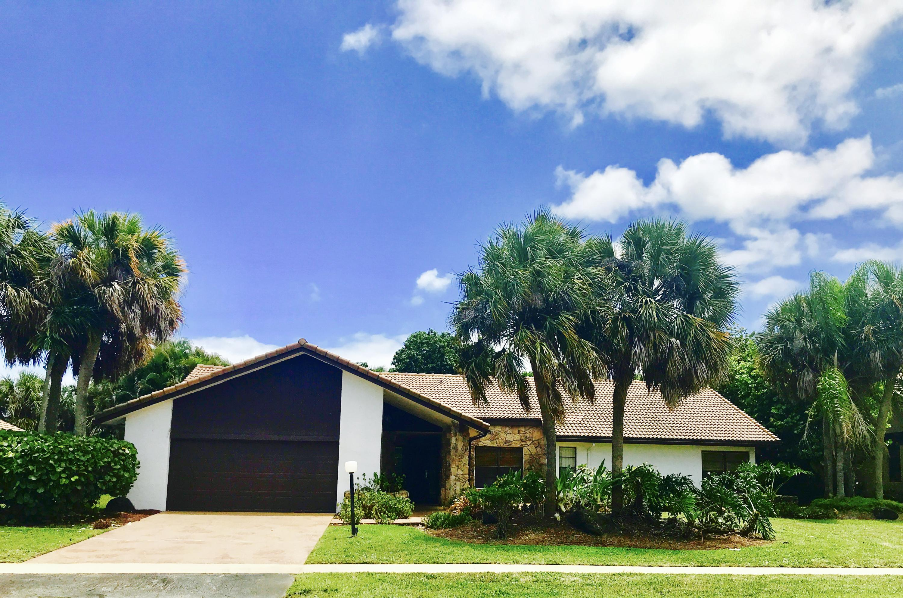 3755 Red Maple Circle  Delray Beach, FL 33445