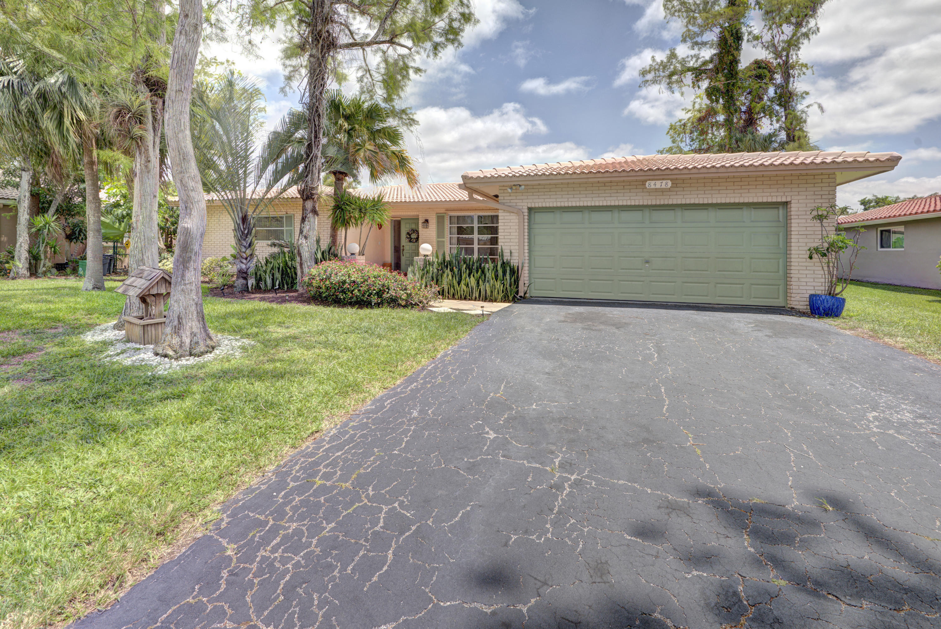 8478 NW 14th Court  Coral Springs FL 33071