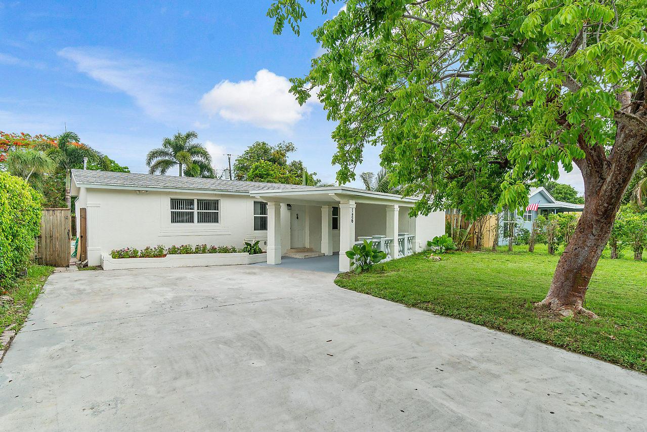 Home for sale in Lake Boynton Estates Boynton Beach Florida