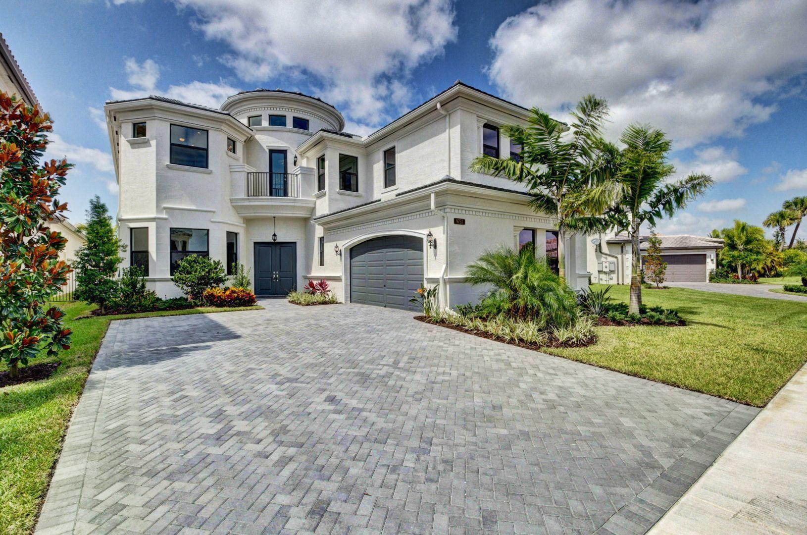 9757 Bozzano Drive  Delray Beach, FL 33446