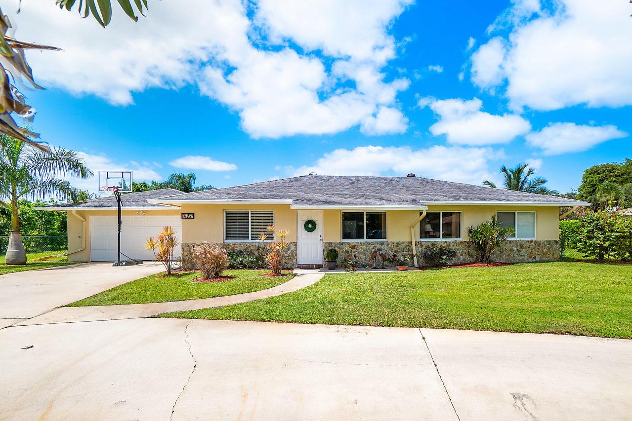 937 SW 36th Court Boynton Beach, FL 33435
