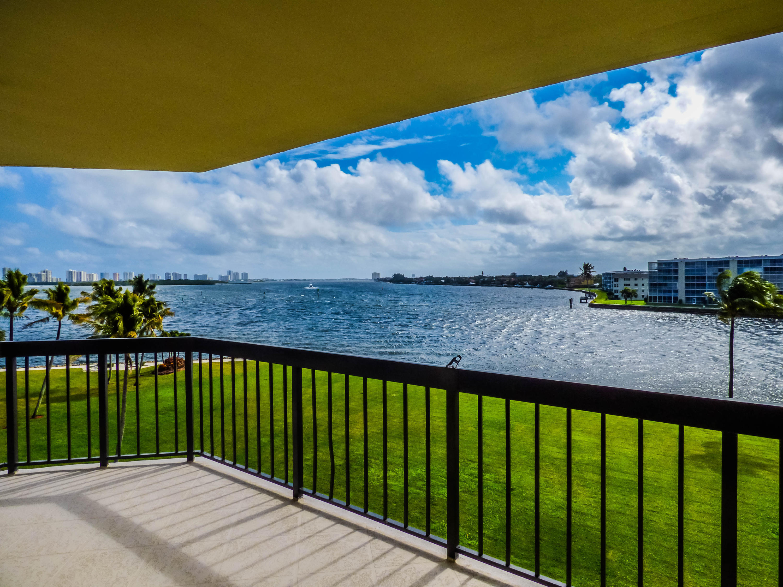 115 Lakeshore Drive 447, North Palm Beach, Florida 33408, 3 Bedrooms Bedrooms, ,2.1 BathroomsBathrooms,F,Condominium,Lakeshore,RX-10533795