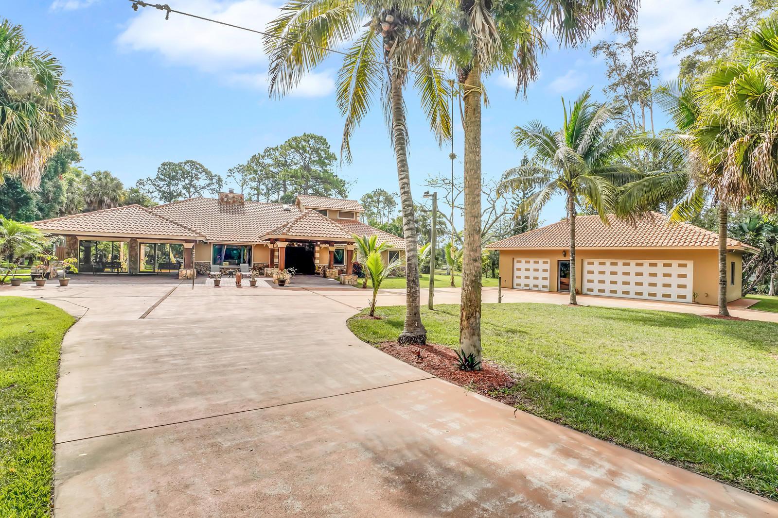 160 Elaine Road West Palm Beach, FL 33413