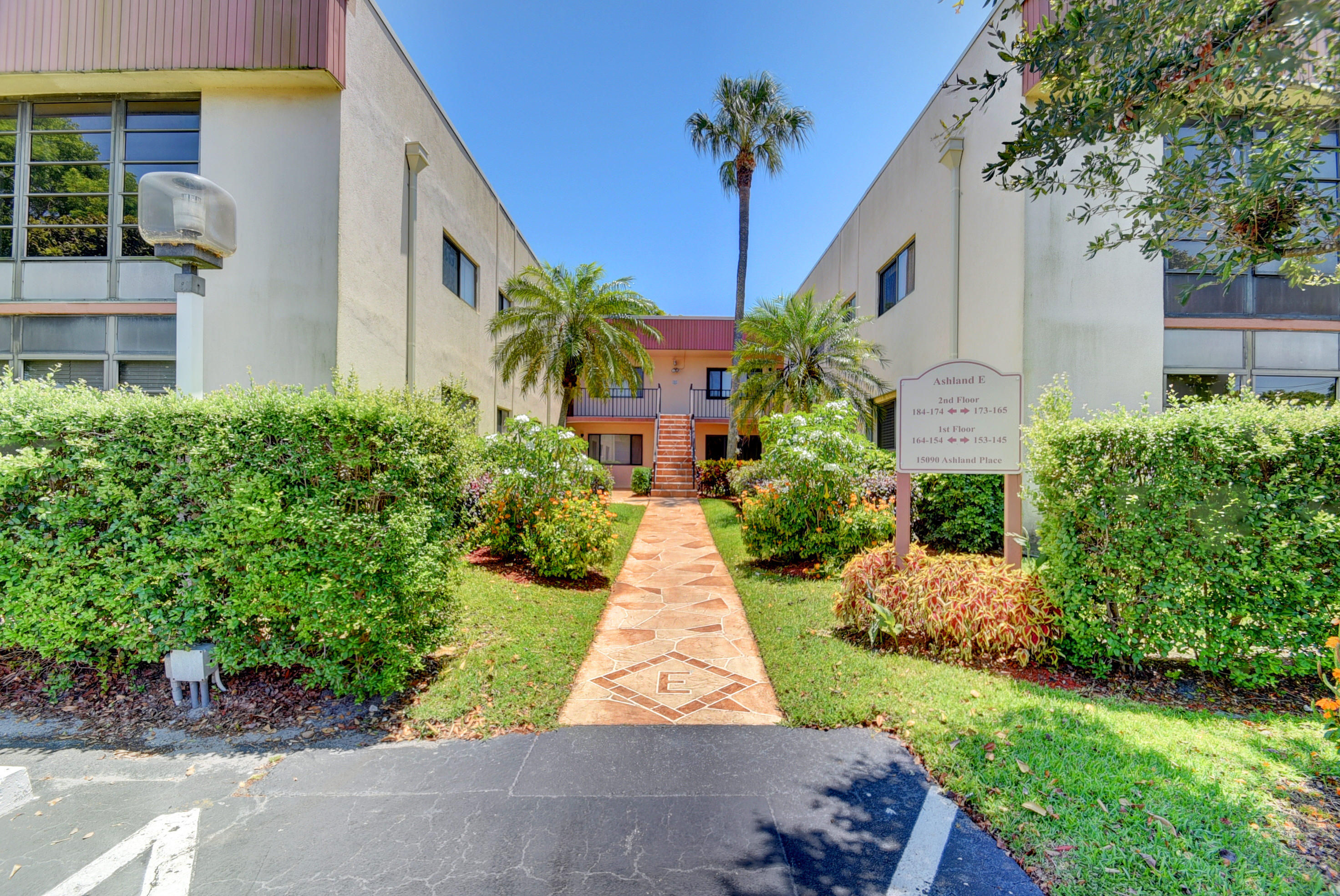15090 Ashland Place 152  Delray Beach, FL 33484