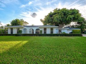 MOTIVATED SELLER. BRING YOUR OFFER!!!Welcome to your Intracoastal Paradise !!!  Beautifully maintained 4 bedrooms and 2 baths on an oversized intracoastal corner lot with a spectacular 100 yr old Banyan tree.  An absolute boaters dream with a 50ft dock and 12000 lbs boat lift, cleaning table and no fixed bridges !!! New roof, new water heater and detached two car garage.  Come home to these serene and tranquil grounds that can accommodate any size pool !!! Priced to sell and will not last !!!