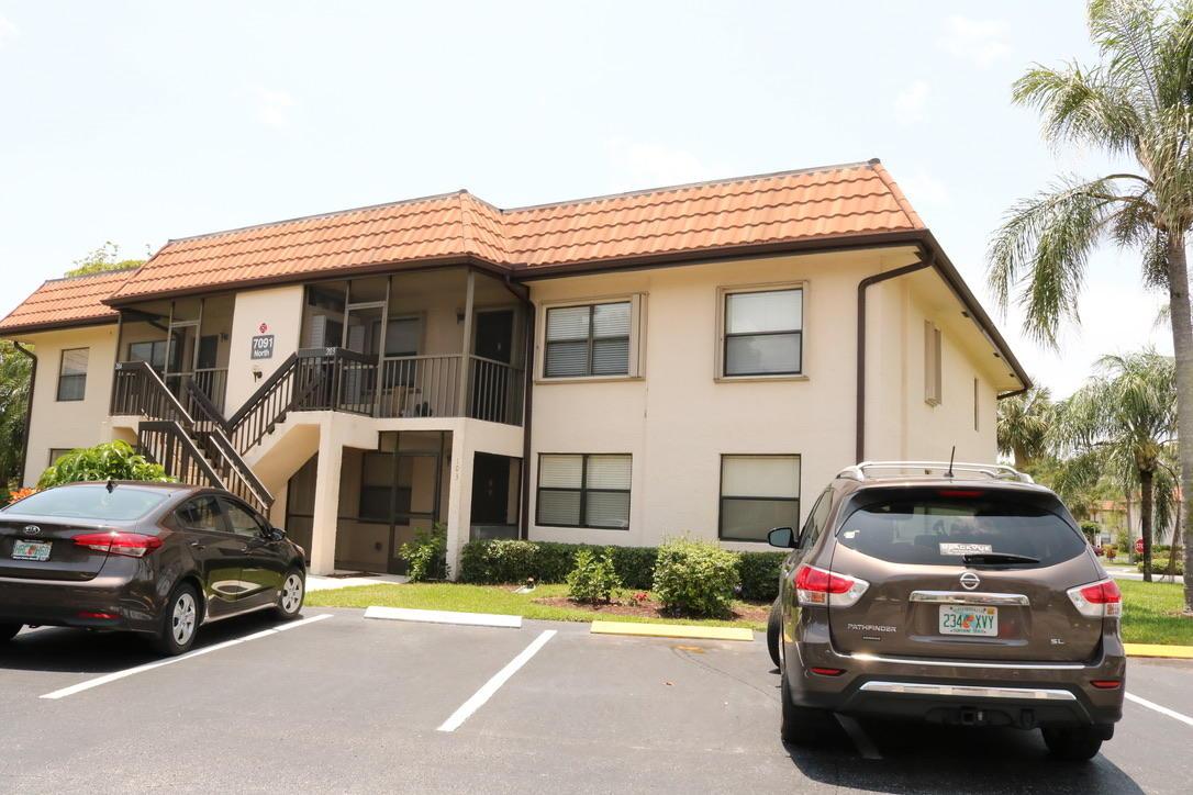 7106 Golf Colony Court 101 Lake Worth, FL 33467