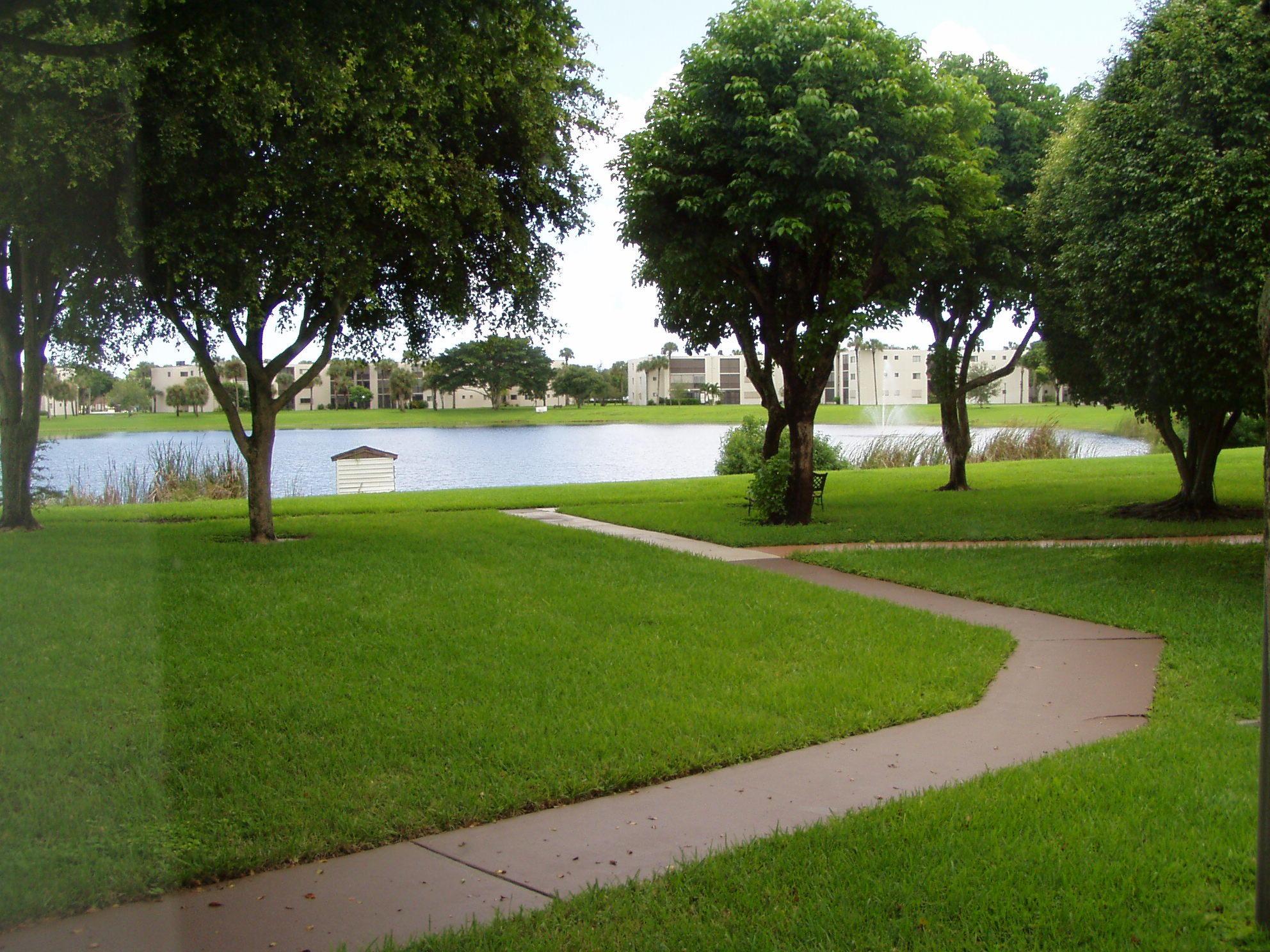 5220 Las Verdes Circle 113  Delray Beach, FL 33484