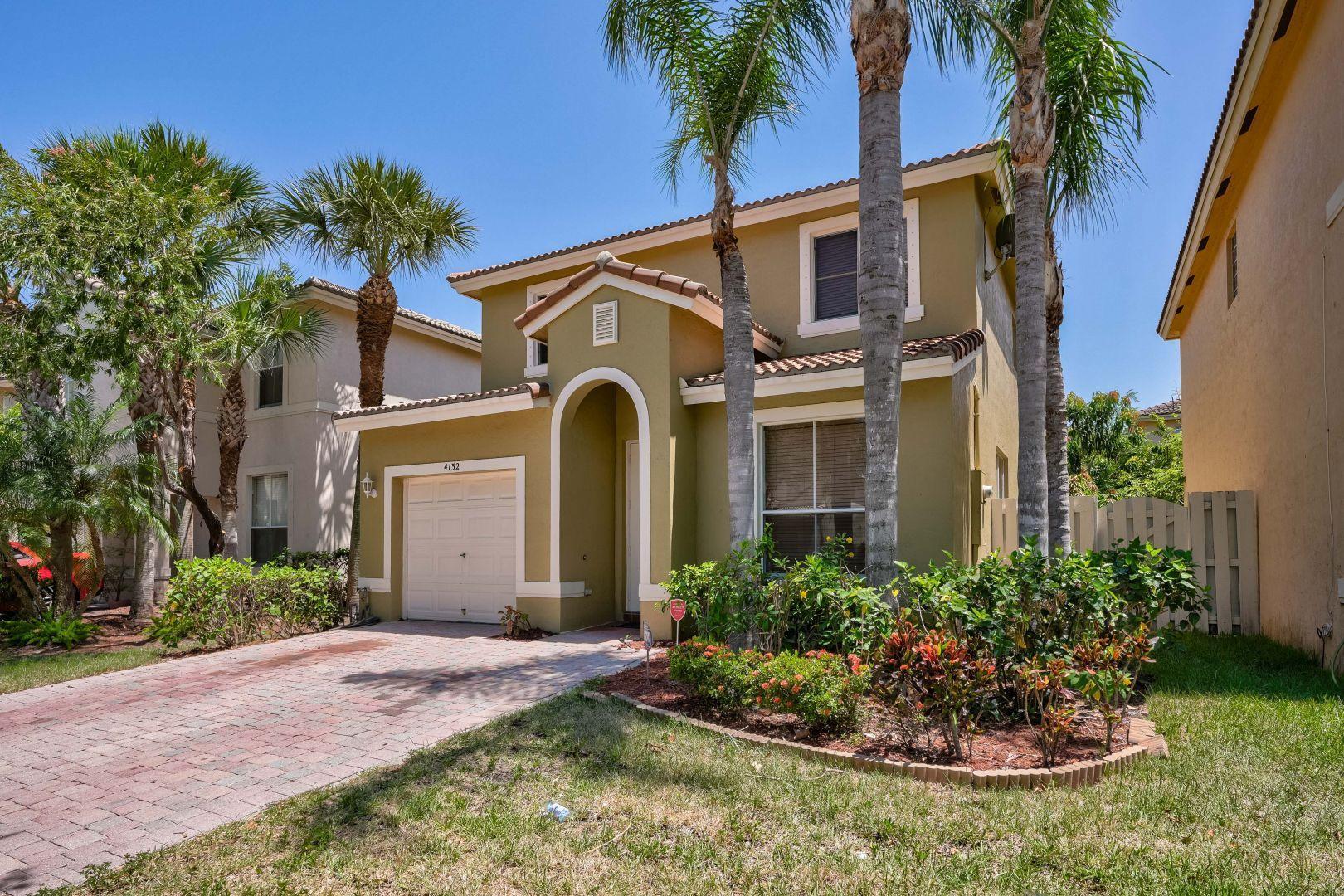 4132 Meade Way West Palm Beach, FL 33409