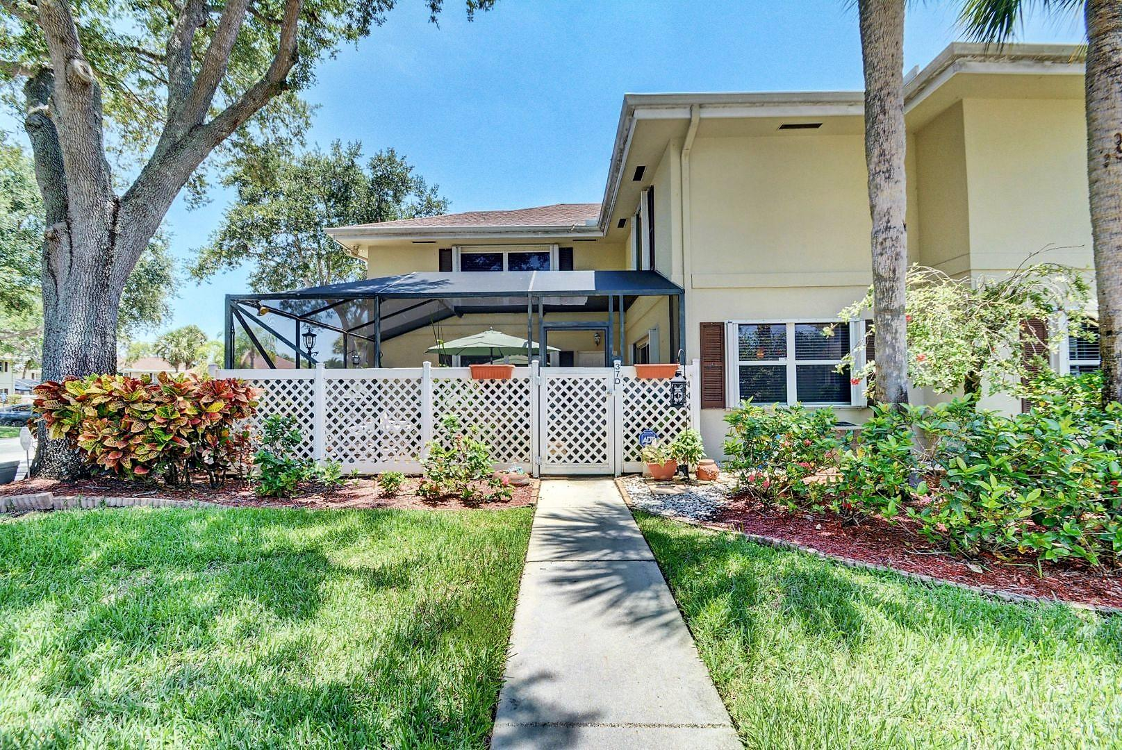 37 Danbury D Royal Palm Beach, FL 33411