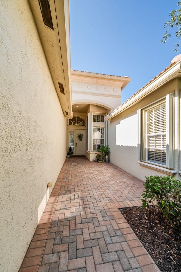 7405 Carmela Way Delray Beach, FL 33446 photo 2