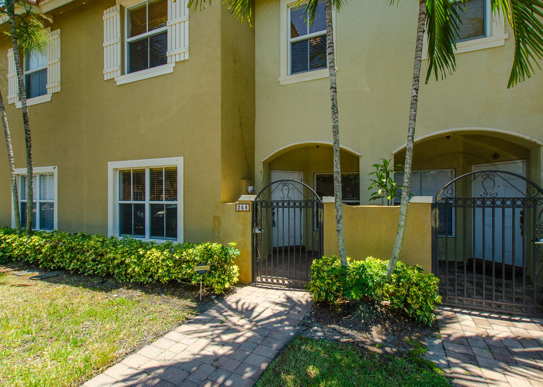 258 Lake Monterey Circle 258 Boynton Beach, FL 33426