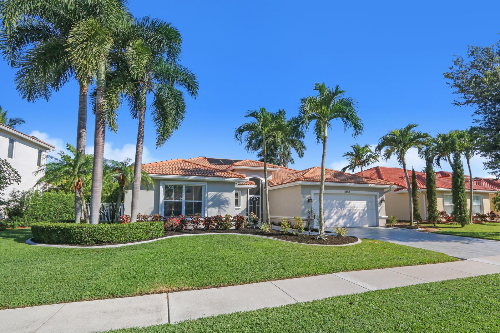 5858 La Gorce Circle Lake Worth, FL 33463