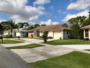 Coco Wood Lakes home 6056 Winding Brook Way Delray Beach FL 33484