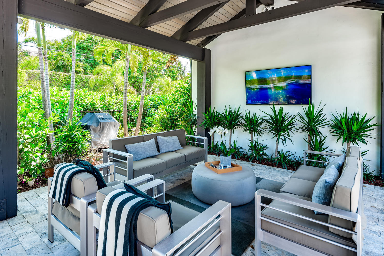 246 Swinton Avenue, Delray Beach, Florida 33444, 3 Bedrooms Bedrooms, ,3.1 BathroomsBathrooms,Single Family Detached,For Sale,Swinton,RX-10535082