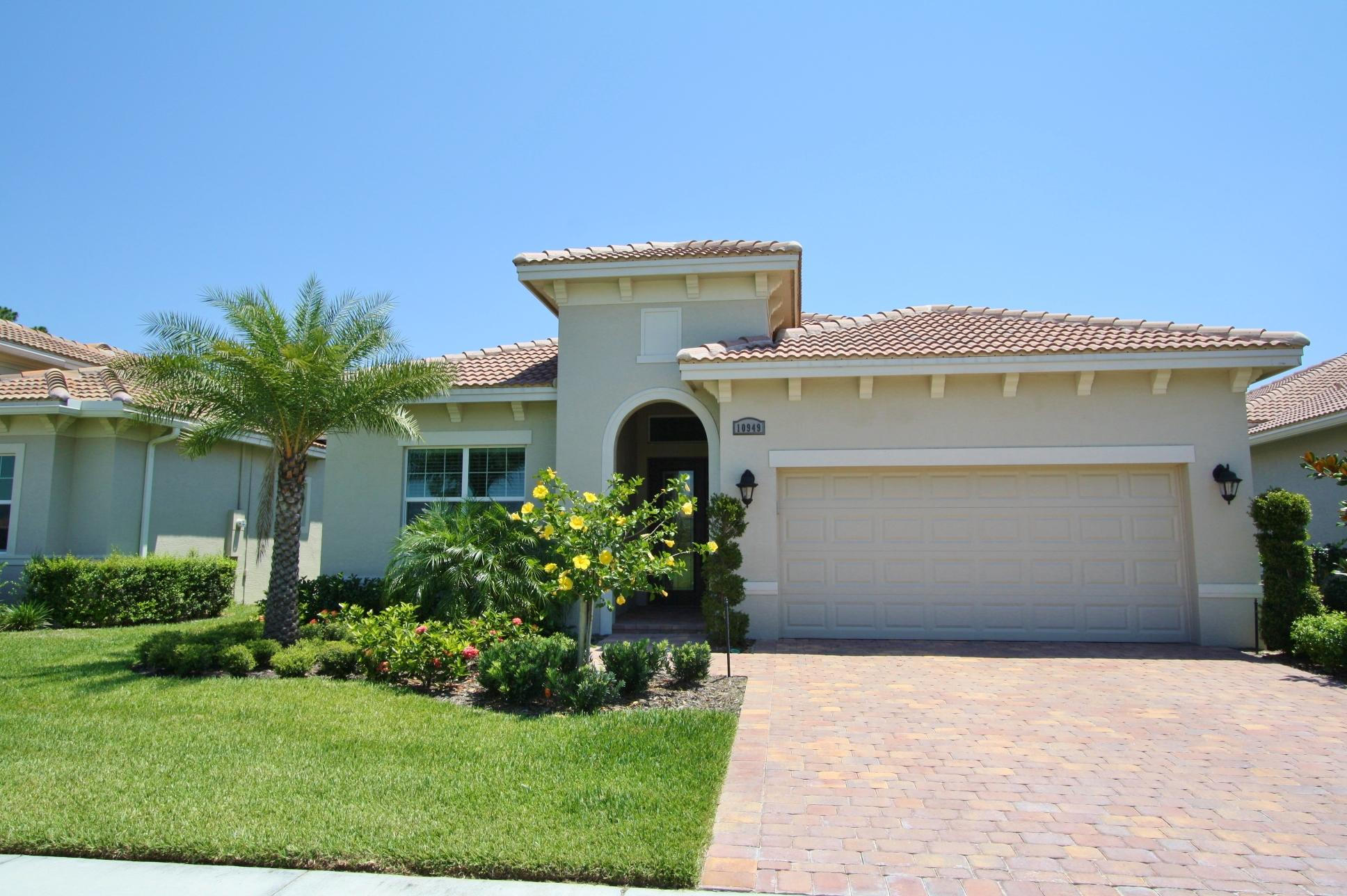 10949 SW Visconti Way, Port Saint Lucie, Florida
