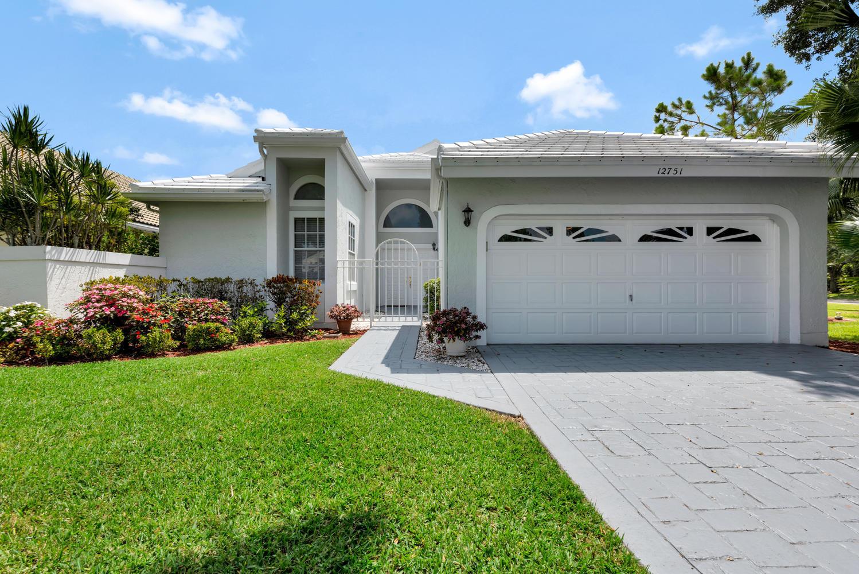 Photo of 12751 Oak Knoll Drive, Palm Beach Gardens, FL 33418