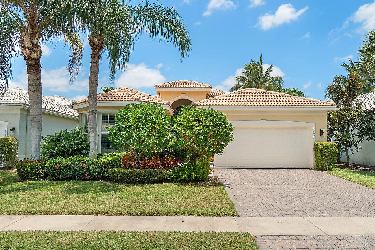 Home for sale in VALENCIA PALMS 1 Delray Beach Florida