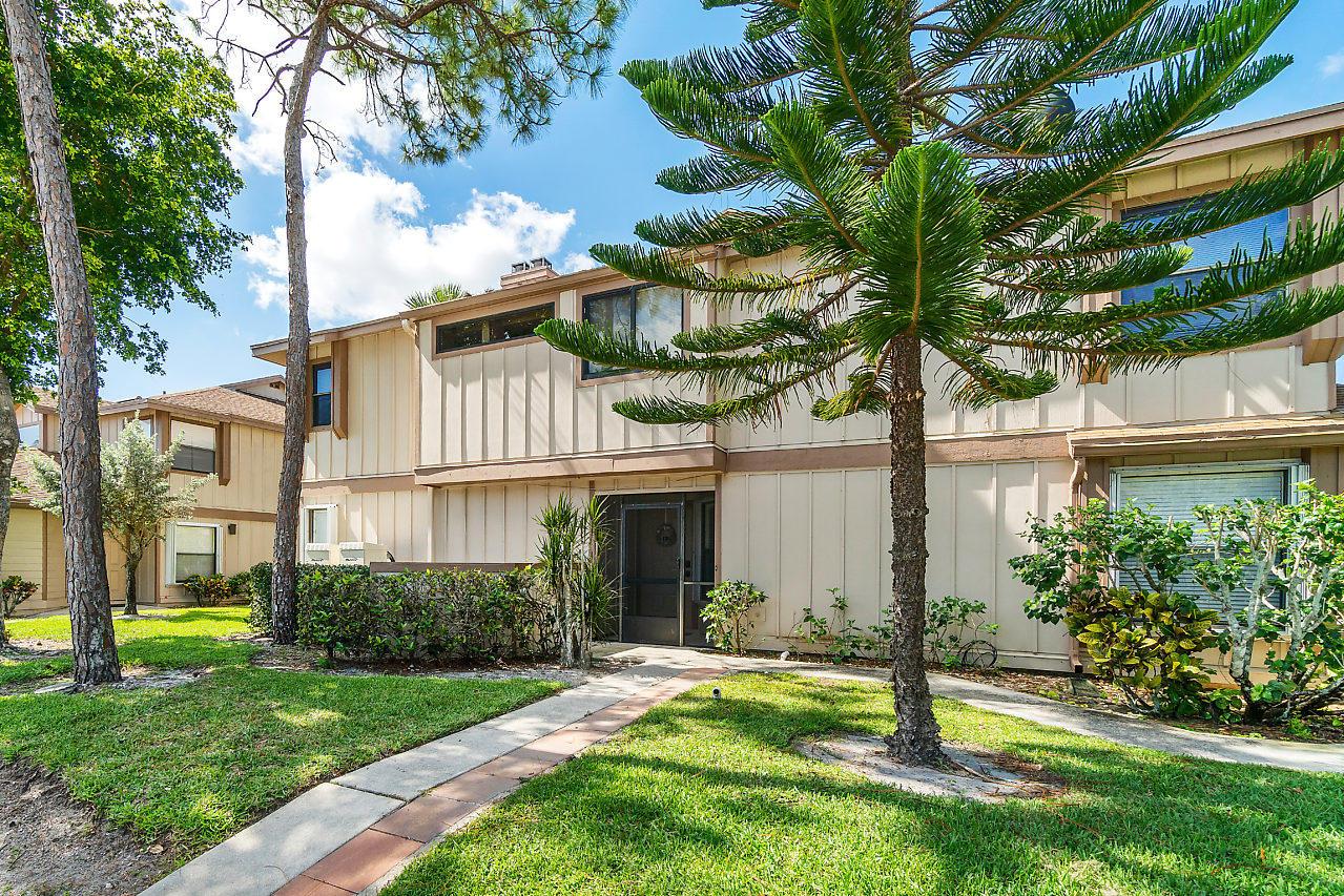 Home for sale in CROSSWINDS AT RIVER BRIDGE CONDO Greenacres Florida