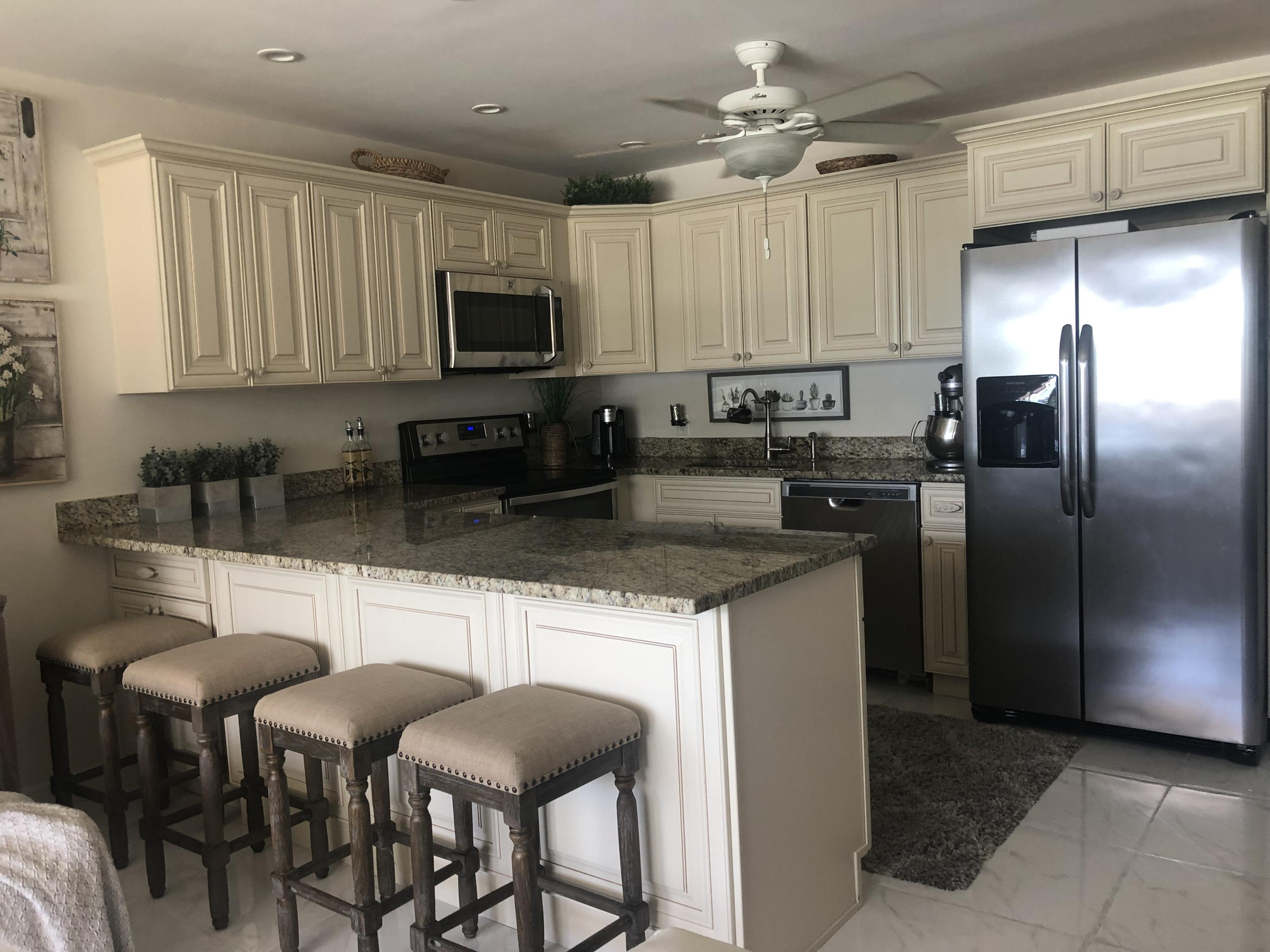 42 Sussex B West Palm Beach, FL 33417
