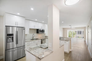PALM GREENS AT VILLA DEL RAY CONDO II home 13916 Via Flora Delray Beach FL 33484