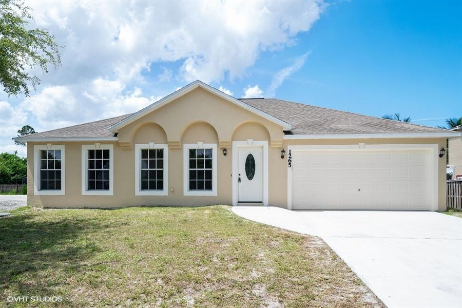 1265 SW Melrose Avenue - Port St Lucie, Florida