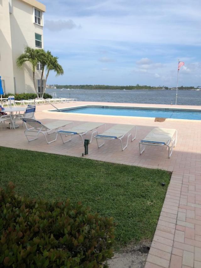 1820 New Palm Way 207 Boynton Beach, FL 33435